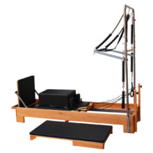 NJ1002 – Reformer with Half Trapeze